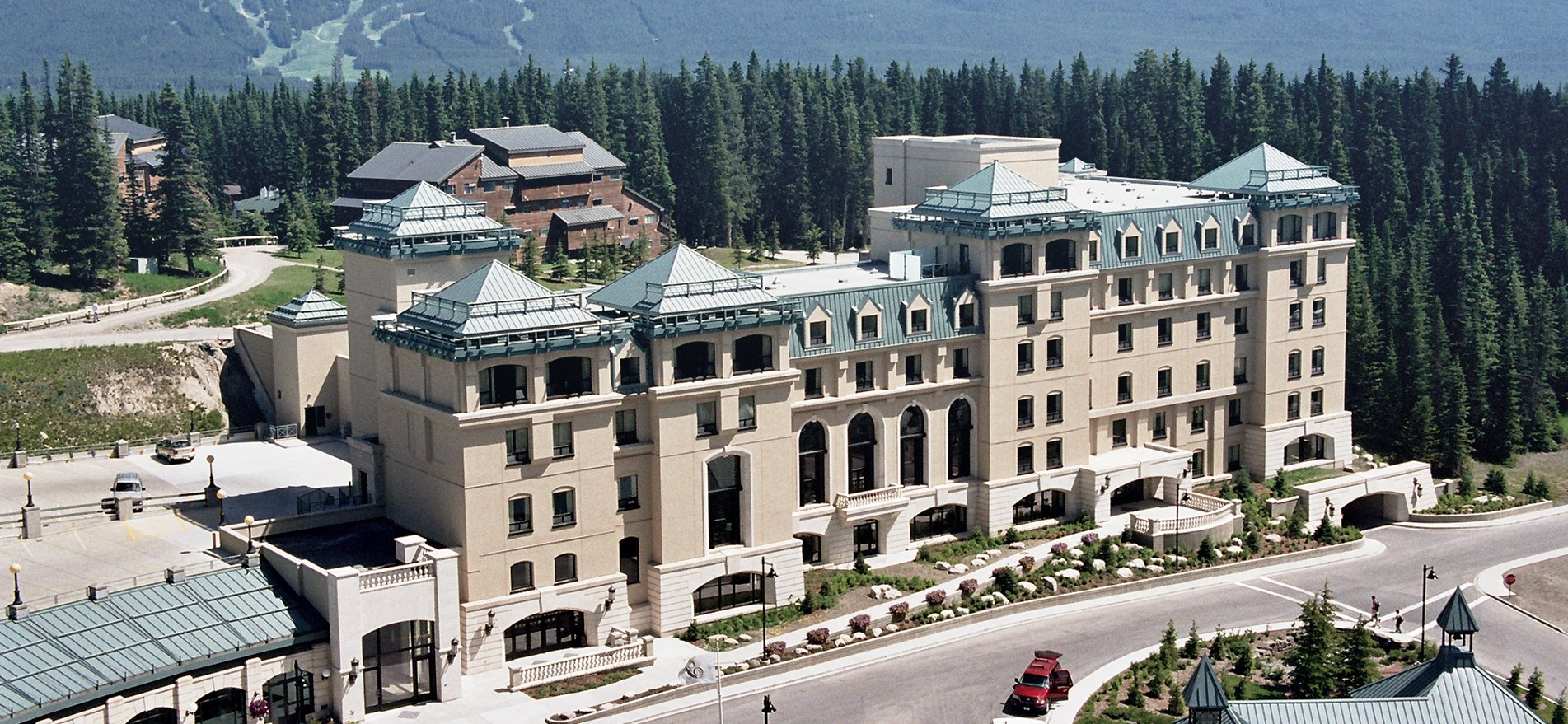 Sunco Drywall Ltd | Chateau Lake Louise Meeting Facility